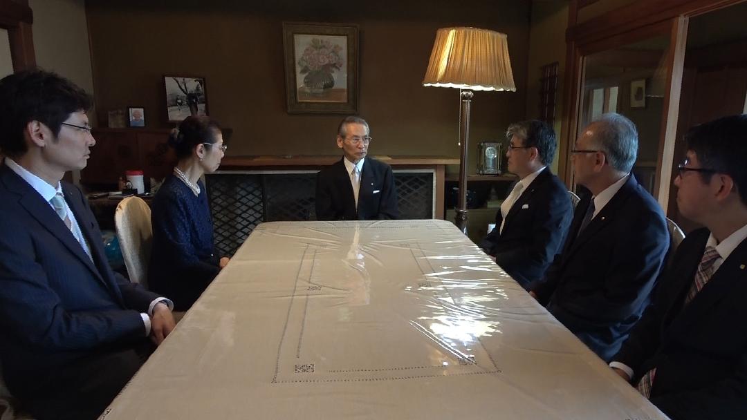 Rev. Yoshiro Nagae e Dr. Roberto Kogachi se encontram com Kyoshu-Sama no Hekiunso, residência do Messias Meishu-Sama – Setembro de 2018